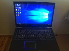 Dell Alienware m18xR2 gaming laptop Powerful