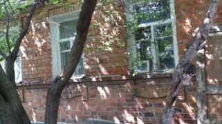 Поселок Герцена, р-он Коммунальной пол дома дерево-кирпич