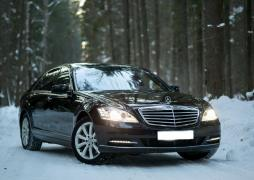 Rent a car with driver in Minsk. Mercedes W221 S550 Long