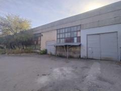 Selling industrial warehouse
